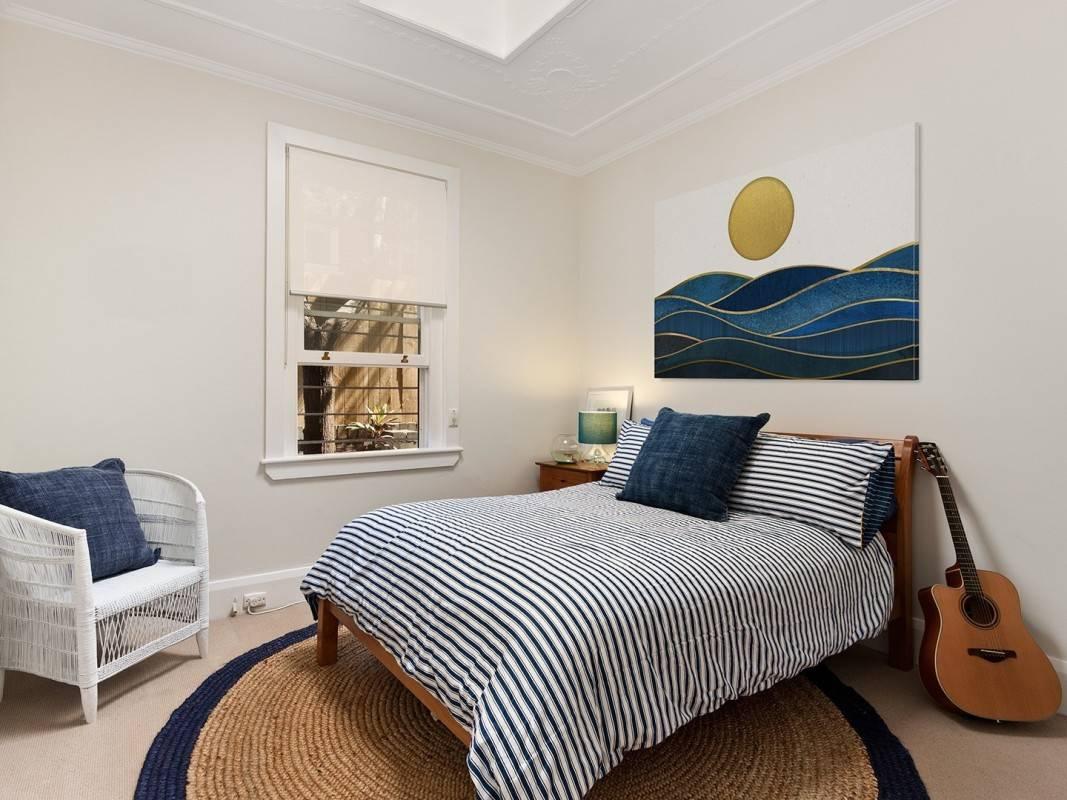 Atramentowe ukojenie - nowoczesny obraz do sypialni - 120x80 cm