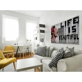 Banksy - Life is beautiful - nowoczesny obraz na płótnie